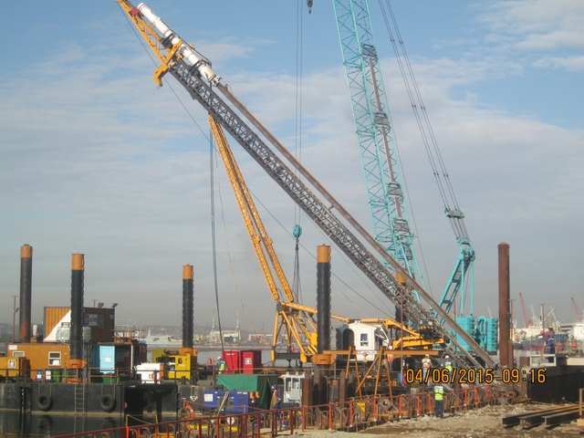 Anchor piling rig with pile and hammer