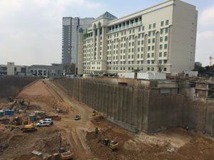 Lateral support walls in close proximity to the Holiday Inn Hotel